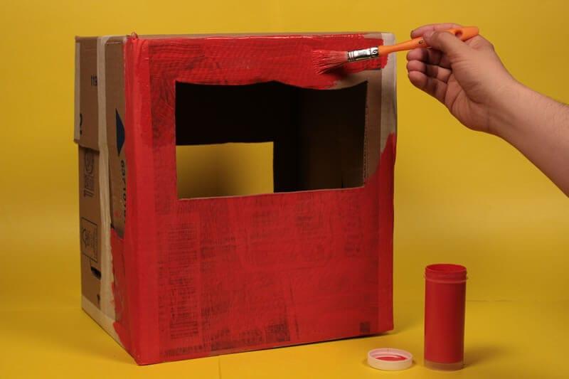 Teatrillo con una caja