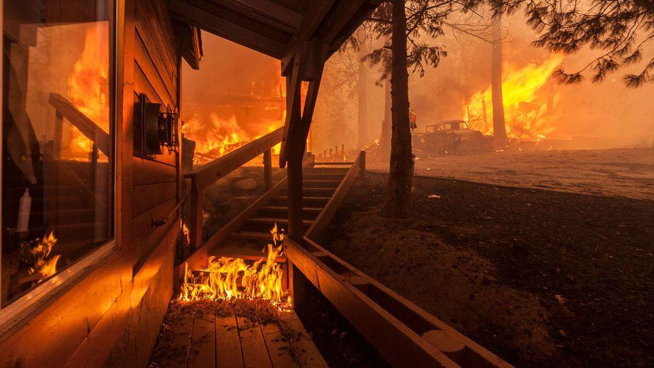 Si el fuego rodea la casa