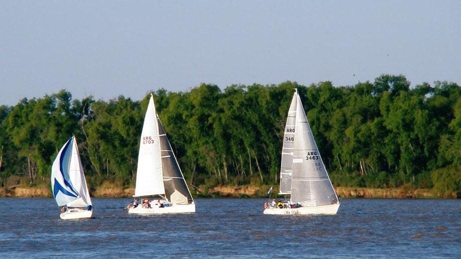 Navegar el Río Paraná